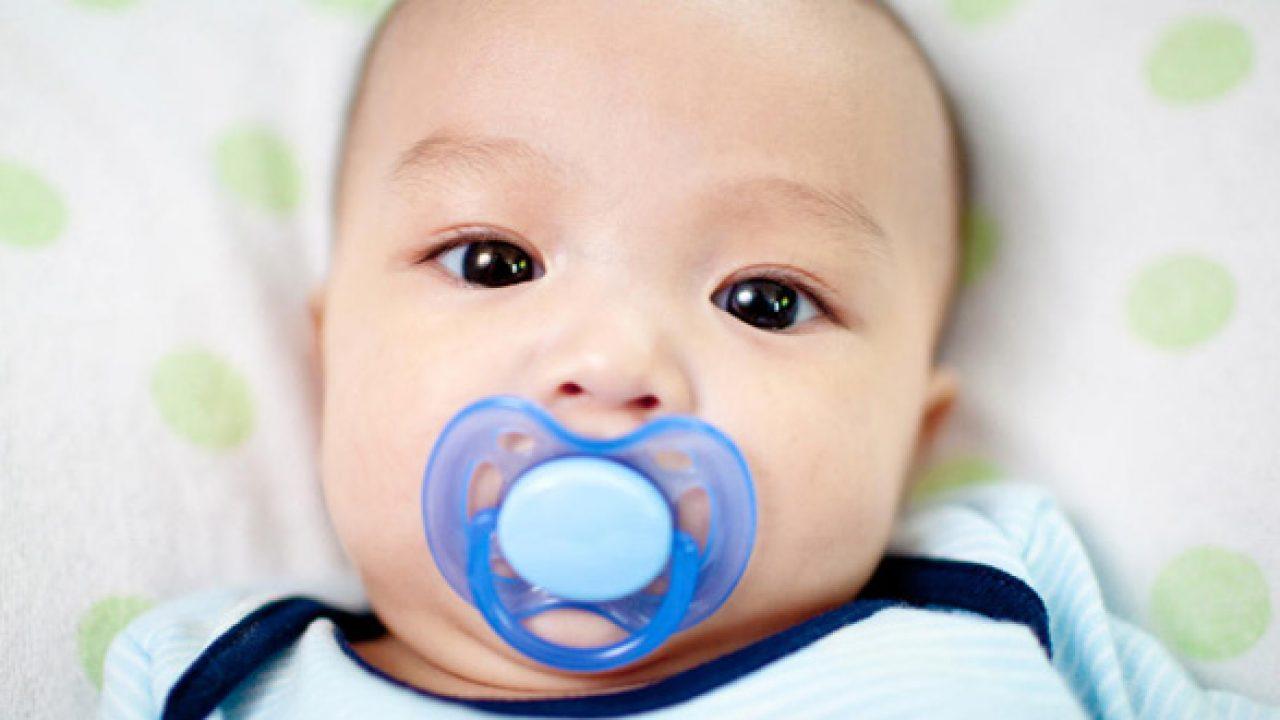 Trẻ Mọc Răng Sớm Có Ảnh Hưởng Gì Không?