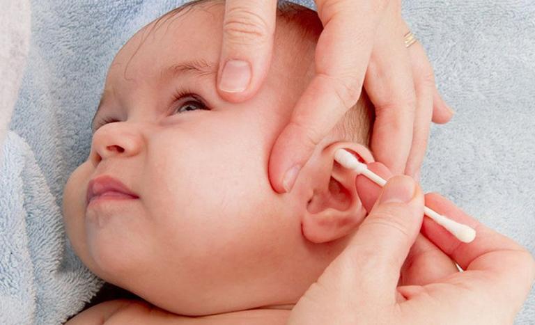 Triệu Chứng Viêm Tai Giữa Ở Trẻ Em Và Cách Chữa Trị