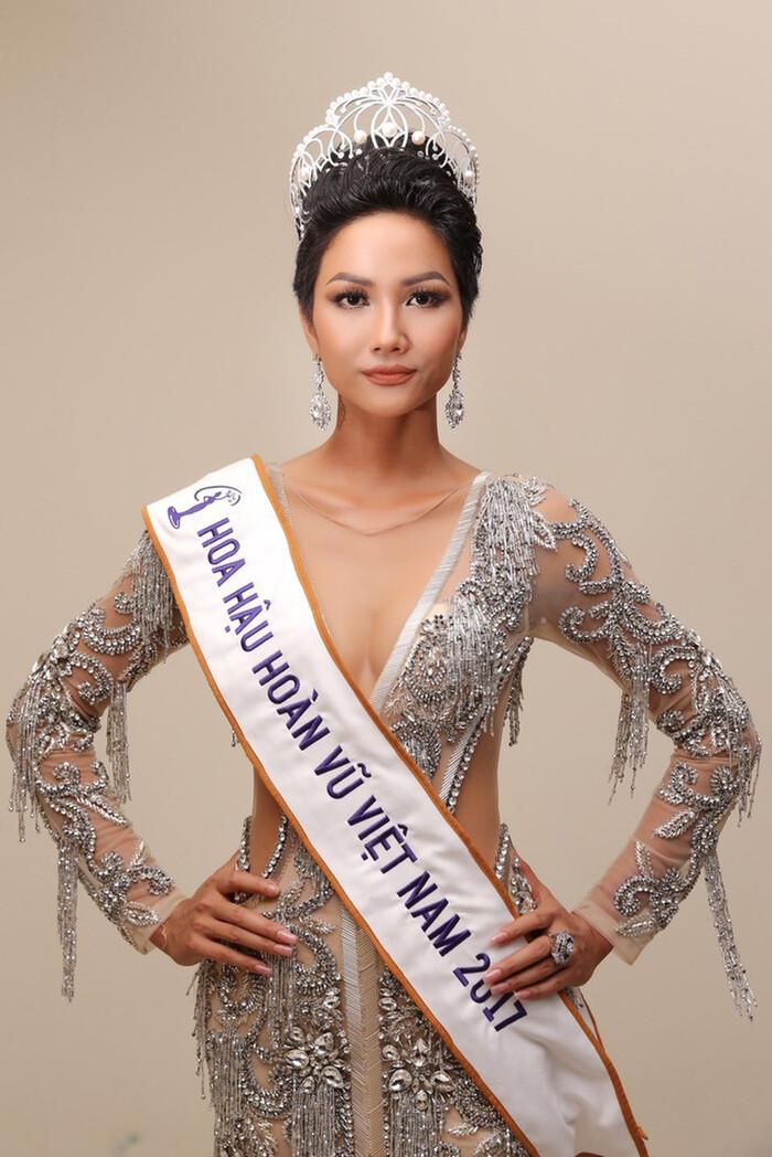 H'Hen Niê - Lương Thùy Linh - Tiểu Vy: Hoa hậu nào sở hữu vương miện đắt giá nhất Việt Nam?