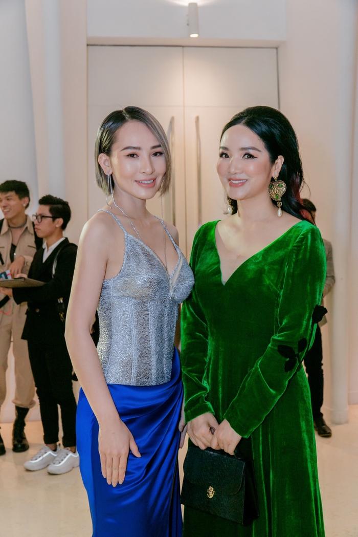 Hoa hậu Kim Sỹ rạng rỡ, hội ngộ dàn sao Vpop tại đêm khai mạc Vietnam Runway Fashion Week 2020