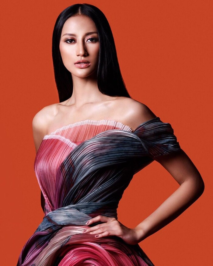 Khánh Vân ghi điểm mạnh với màn ứng xử khéo léo: 'Lọt Top 2 Miss Universe, nắm tay ai cũng hạnh phúc'