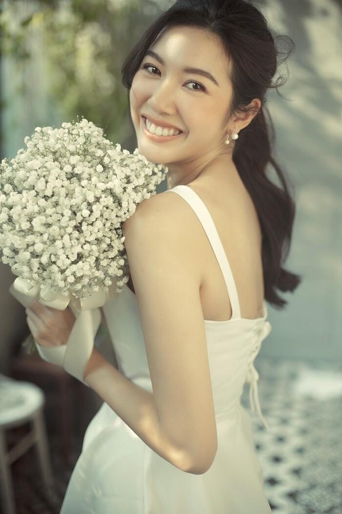 Á hậu Thúy Vân tiết lộ từng bị chê răng xấu khi đi thi hoa hậu: 'Nhưng em thích em như vậy'