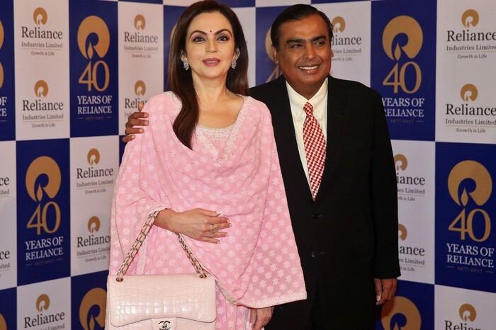 Vợ tỉ phú giàu nhất châu Á tiêu tiền như thế nào?