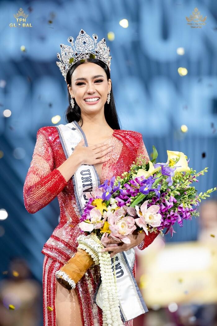 Bông hồng lai lên ngôi Hoa hậu Hoàn vũ Úc, cạnh tranh trực tiếp với Khánh Vân tại Miss Universe