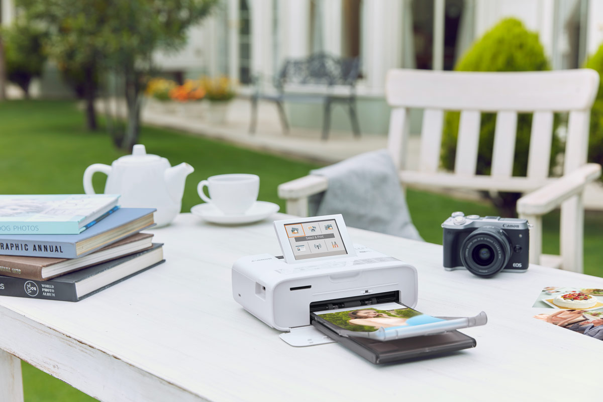 compact photo printer selphy