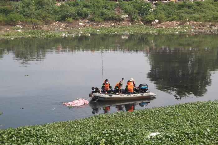 Vụ nữ sinh Học viện Ngân hàng bị dìm tử vong dưới sông: 'Con ra đi quá đau xót'