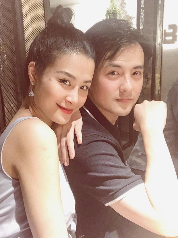 """Bức ảnh đắt giá """"gây nổ"""" MXH vì hội tụ hơn 10 sao Việt hot nhất, sáng hơn cả là 2 cặp đôi quyền lực nhà Đông Nhi - Trường Giang"""
