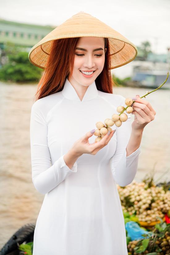 Phan Thị Mơ đi chợ nổi Cái Răng - Ngôi sao