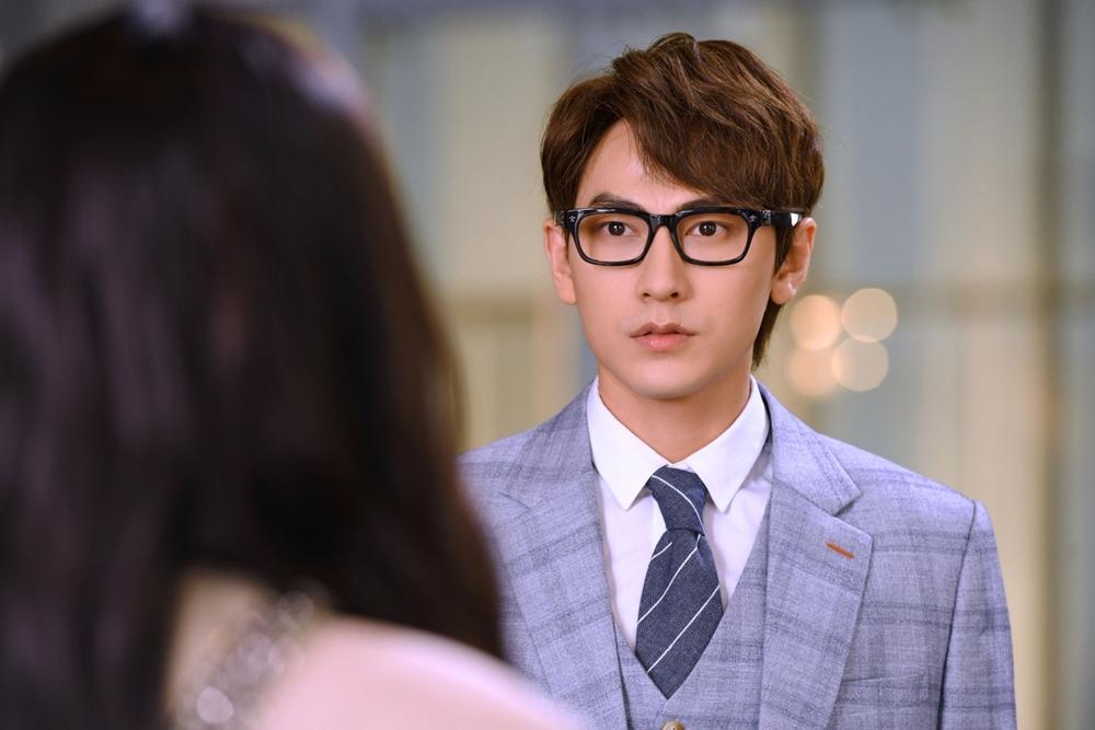 Jun Vũ đóng cảnh 'nóng' với Isaac - Ngôi sao