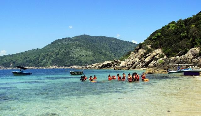 Ngắm nhìn vẻ đẹp thơ mộng của bãi biển Tiên Sa – Đà Nẵng
