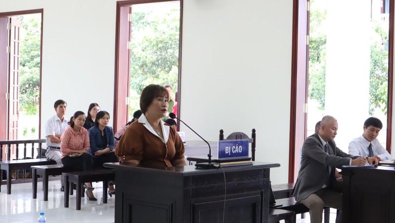 Căng thẳng tranh luận 31 vấn đề vụ chưa trả hết nợ bị khởi tố