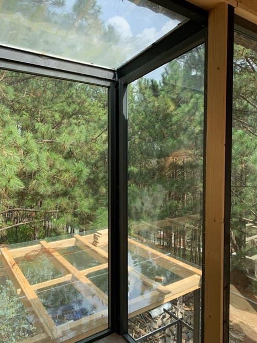 Thêm loạt ảnh bên trong biệt thự gỗ 800 m2 ở Đà Lạt của vợ chồng Phan Như Thảo