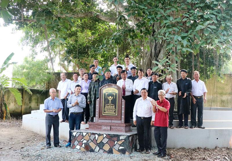 Cây đa đình Mỹ Nhơn (tỉnh Bến Tre) được công nhận cây Di sản Việt Nam