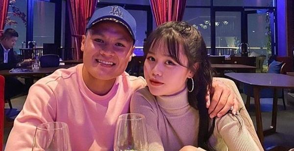 6 lần đáp trả anti-fan khi vướng thị phi của bạn gái Quang Hải gây bão mạng xã hội