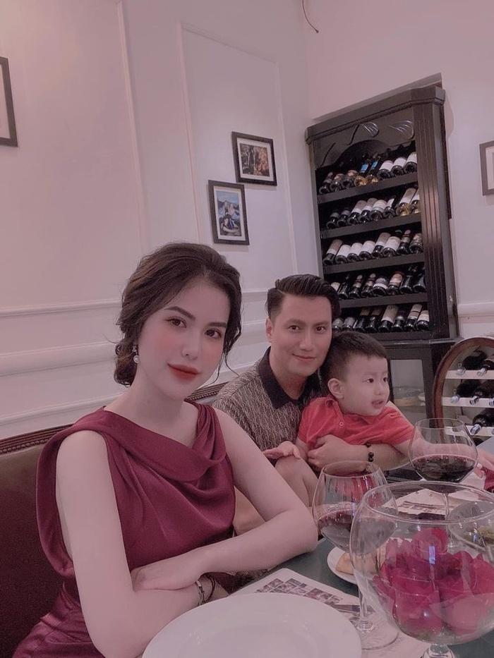 Vợ cũ kể con ốm liên miên, bình luận của Việt Anh gây chú ý