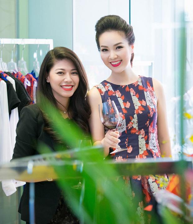 """Ngọc Trinh và Thuỵ Vân: Đôi bạn sang chảnh nức tiếng VTV, thân suốt 10 năm đến mức bị bạn trai khuyên """"nên lấy nhau"""""""