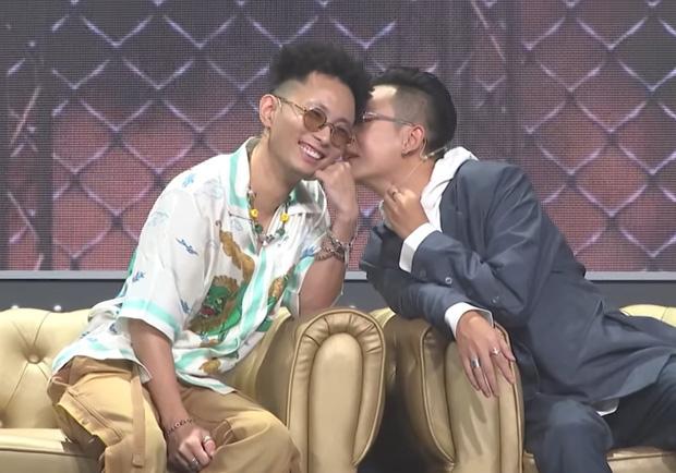 """Đôi bromance được """"đẩy thuyền"""" mạnh nhất Rap Việt JustaTee - Rhymastic công khai tình cảm, các chị vợ có ghen không đây?"""