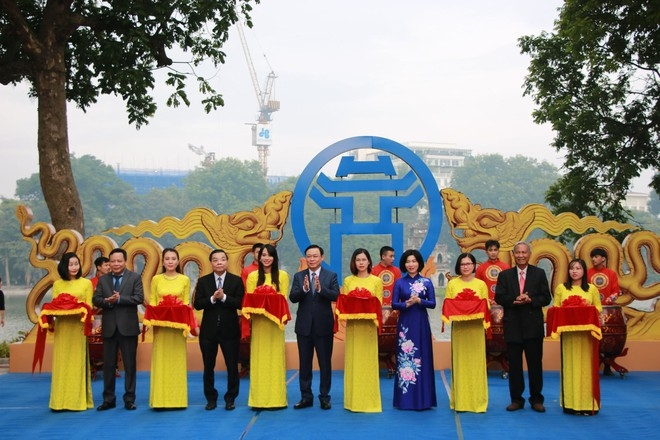 """Khai mạc triển lãm """"Thăng Long - Hà Nội: Những dấu son lịch sử"""""""