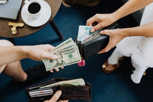 Tử vi hôm nay 22/10/2020 về tài lộc của 12 con giáp: Tiền về túi ai?