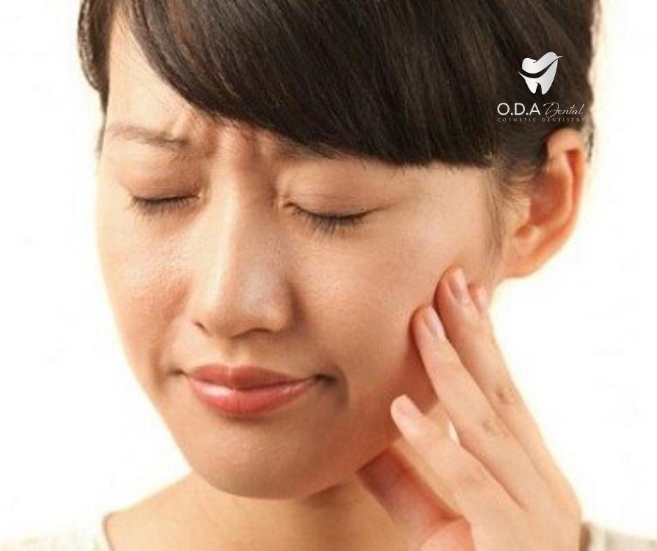 Làm răng giả tháo lắp có bị tiêu xương hàm không?