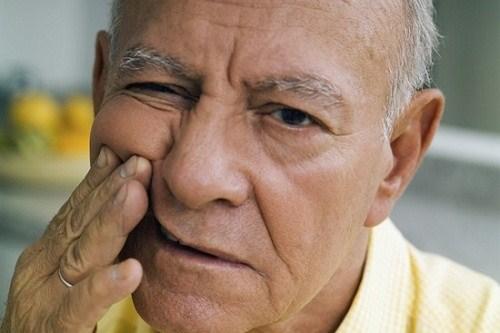 Nha khoa quận 10 | Các loại bệnh lí răng miệng thường gặp ở người già